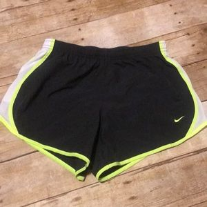 Girls Nike Dry-fit Large